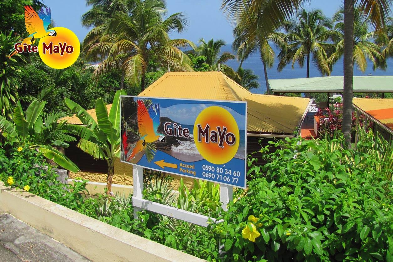 Gîte Mayo - Entrée vers le parking privé