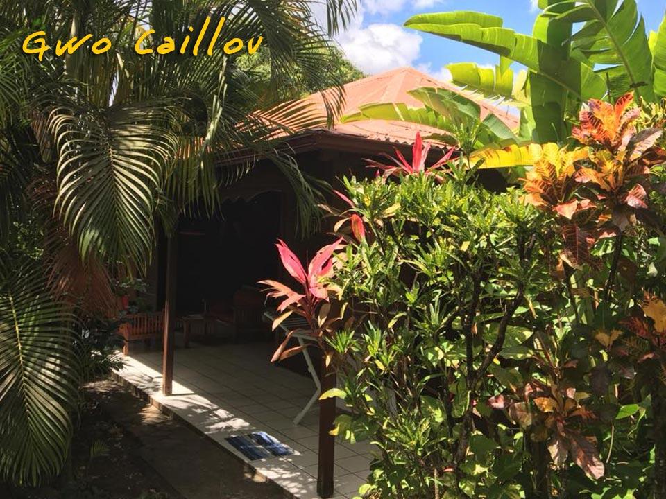 Gwo Caillou - Bungalow dans le jardin